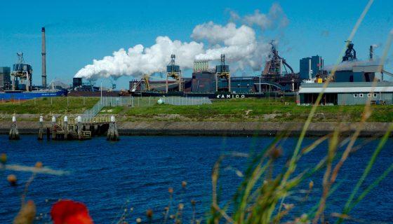 Foto bij industrie noordzeekanaalgebied